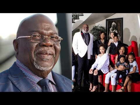 T.D. Jakes Shares Photo With All His Kids, Just Wait Till You See Their Kids Are All Grown Up!