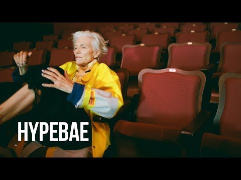 Maye Musk Is Introduced to Supreme at Age 70 видео