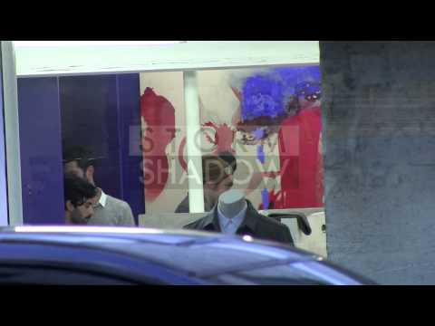 EXCLUSIVE – Robert Pattinson and Girlfriend FKA Twigs shopping in Paris – Part 1