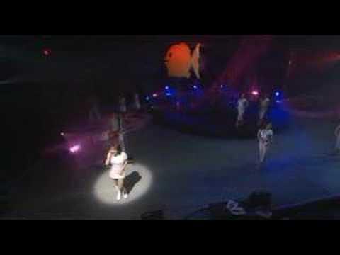 Alizée - J'en Ai Marre! (Live - En Concert 2004) (видео)