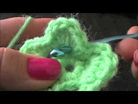 How to Crochet a Flower - Tutorial