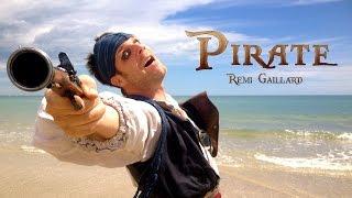 Remi w akcji. Tym razem jako pirat