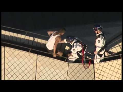 Drunk Man Rescued From Roof of Sydney Opera House