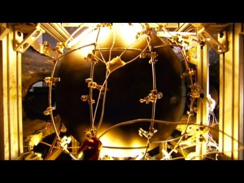 Earth - 2005 Documentary - Naked Science Season 2 - Earth's Core Naked Science is an American documentary television series that premiered in 2004 on the National Ge...