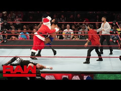"""""""Santa Claus"""" helps Heath Slater fight off Jinder Mahal and The Singh Brothers: Raw, Dec. 24, 2018"""
