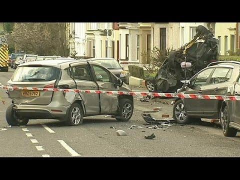 Β. Ιρλανδία: Έκλεψαν πυροσβεστικό όχημα και τα έκαναν…γυαλιά καρφιά!