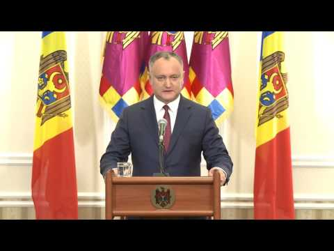 Moldovan president presents draft law on Constitution's amendment