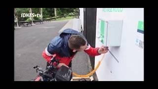 Redaktor iDNES testuje nabíjecí stanice Powerbox.ONE v Krušných Horách
