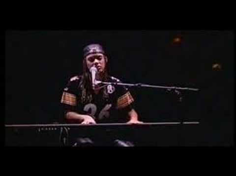 Alicia Keys Troubles live AMAZING PERFORMANCE!!!