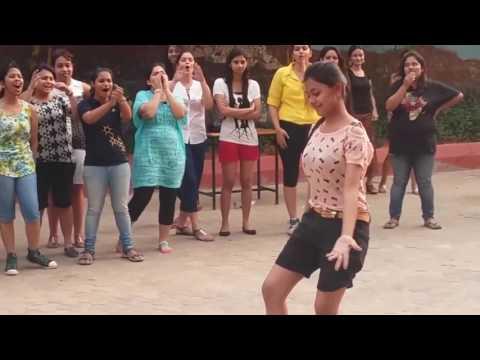 Video Odisha College Girl Dance Video Became Viral nowdays. download in MP3, 3GP, MP4, WEBM, AVI, FLV January 2017