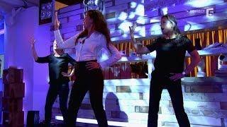 Video Le cours de booty shake de Nawell Madanai à Anne-Sophie et Anne-Elisabeth - C à vous - 08/10/2014 MP3, 3GP, MP4, WEBM, AVI, FLV Oktober 2017