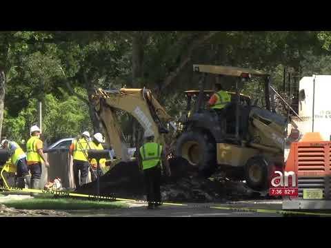 Se inundan calles de Miami Lakes tras tubería rota
