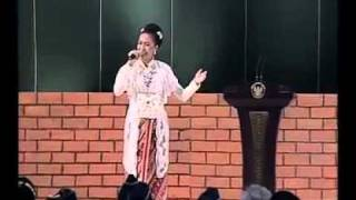 "Download Lagu Lagu ""Pancasila Rumah Kita"" ciptaan almarhum Franky Sahilatua, oleh Lea Simanjuntak Mp3"