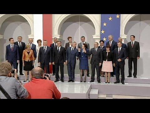 il - Presentato, dal premier designato della Polonia, Ewa Kopacz, il nuovo governo. Sarà un esecutivo di coalizione, sostenuto oltre che da Piattaforma Civica anche dal Partito dei contadini: un'allean...