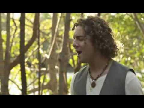 Miley Cyrus y David Bisbal - When I look at you