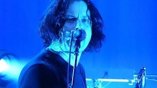 Jack White Chicago July 23 2014 Seven Nation Army with fan