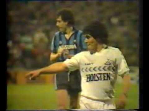 Maradona Jugando para los Spurs en 1986