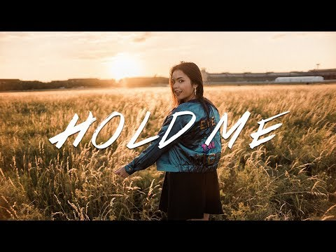SELINA MOUR - Hold Me (Official Video) (видео)