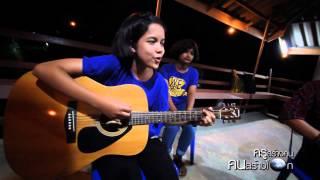 Download Lagu The show - Lenka Cover by Jasmin Krusangkon Mp3