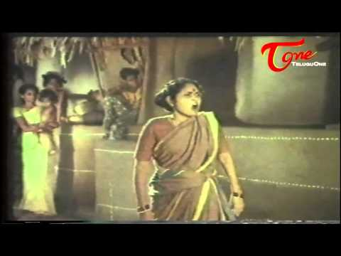 Padaharella Vayasu Comedy   Nirmala Fighting With Her Nieghbour 05 December 2013 06 PM