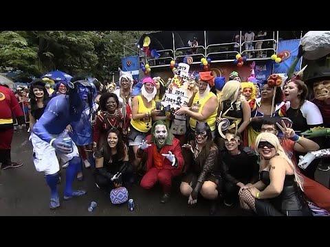 Βραζιλία: Παρέλαση υπερηρώων στις γειτονιές του Ρίο
