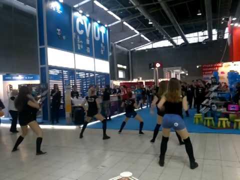 VIDEO: Po příkladu VŠE chtějí twerkovat i strojaři na ČVUT