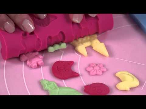 Видео Формочки для шоколада Tescoma Силиконовые формочки DELICIA DECO, для девочек Tescoma 633010