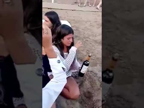 Miałaś problem z otwarciem wina? Tym sposobem zadziwisz swoje koleżanki