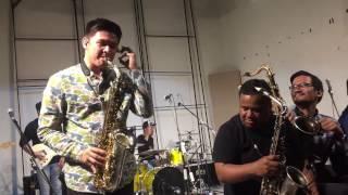 Video Saxx In The City - Risalah Hati (SaxxyGalau Damez Nababan) MP3, 3GP, MP4, WEBM, AVI, FLV November 2018