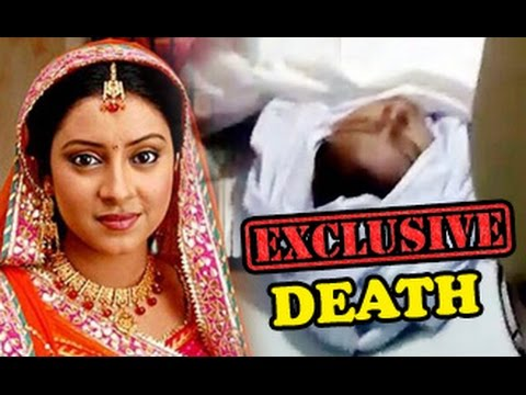 Balika-Vadhu-Actress-Pratyusha-Banerjee-Hangs-Herself-Death-Funeral-Prayer-Meet