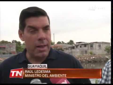 Ministro del ambiente recorrió zonas contaminadas del Estero Salado