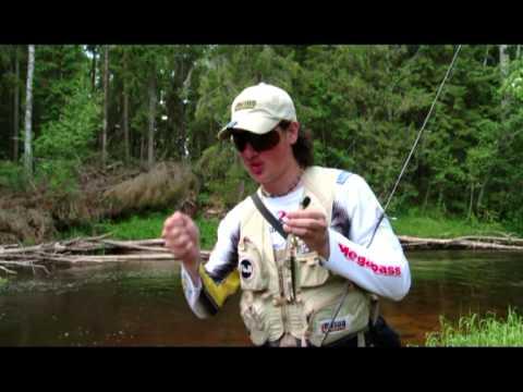 ловля форели нахлыстом в лесных реках