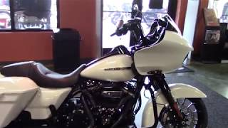 6. 2018~2019 Harley Davidson Motorcycles Road Glide Special