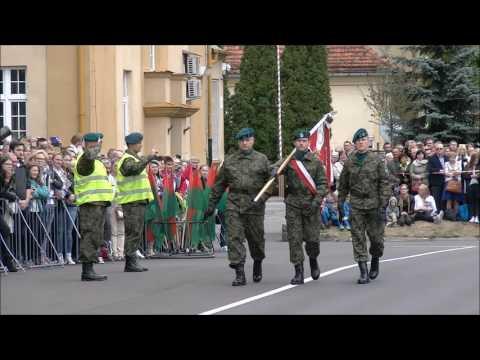 Toruń. Przysięga wojskowa elewów służby przygotowawczej do NSR