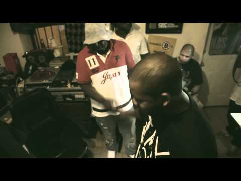 Freddie Gibbs & Statik Selektah & Smoke Dza & Chace Infinite - Keep it Warm For Ya(2011)