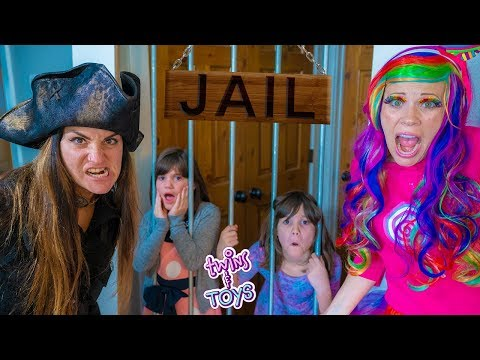 Princess Lollipop SAVES Twins Kate and Lilly from the Pirate Witch!