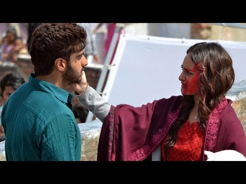 "Sonakshi & Arjun Enjoying Colors Of ""Tevar"""