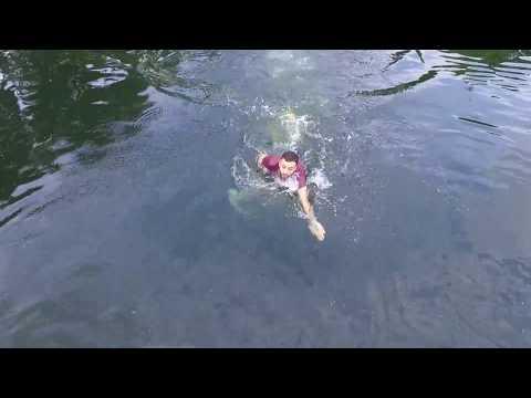 Dronesta loppuu akku veden päällä – Nyt tuli kiire!