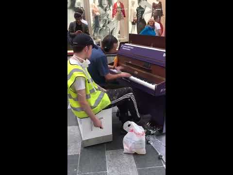 Fantastic Builders' Impromptu Musical Performance In Liverpool ONE
