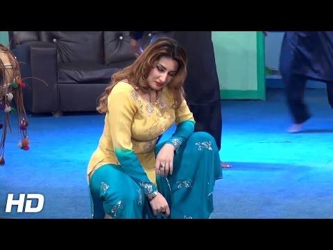 PUNJABI MUNDEY LEIN CHASKEY - QISMAT BAIG 2016 - PAKISTANI MUJRA DANCE