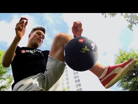 BEST - SUBSCRIBE to STRskillSchool - http://goo.gl/4PKgRZ I spent a day in London with my friends who happen to be the top freestyle footballers in the world. I gathered plenty of content so stay...