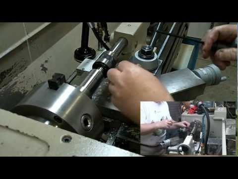 Thread cutting on a lathe