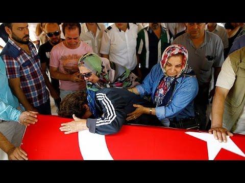 Τουρκία: Θρήνος για τα θύματα της επίθεσης στο αεροδρόμιο Ατατούρκ