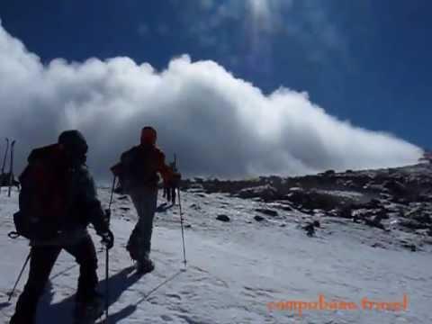 Video Un vulcano di neve