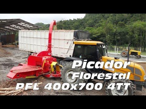 Picador Florestal PFL 400x700 4TT picando toras de árvores - Lippel