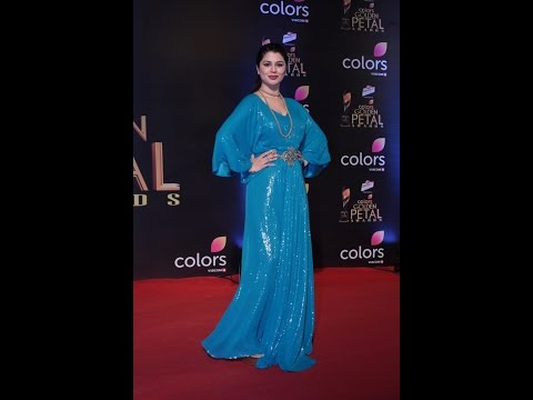 Kainaat Arora At Colors Golden Petal Awards 2017