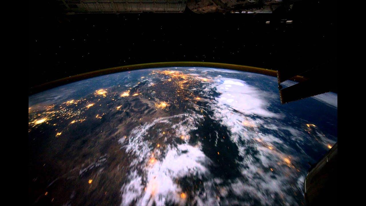 Proleťte se nad Zemí…