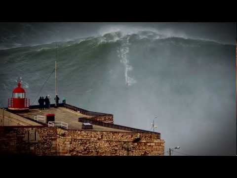 100ft World Record Wave, Garrett McNamara Surfing Nazare, Portugal (видео)