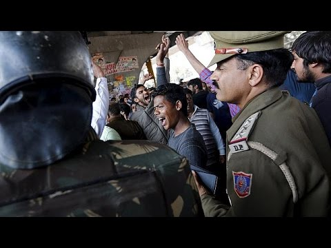 Ινδία: Βίαιες διαδηλώσεις στην Χαριάνα – Νερό με δελτίο στο Ν. Δελχί