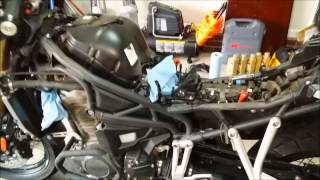 10. Triumph Tiger Explorer XC tank removal and oil change